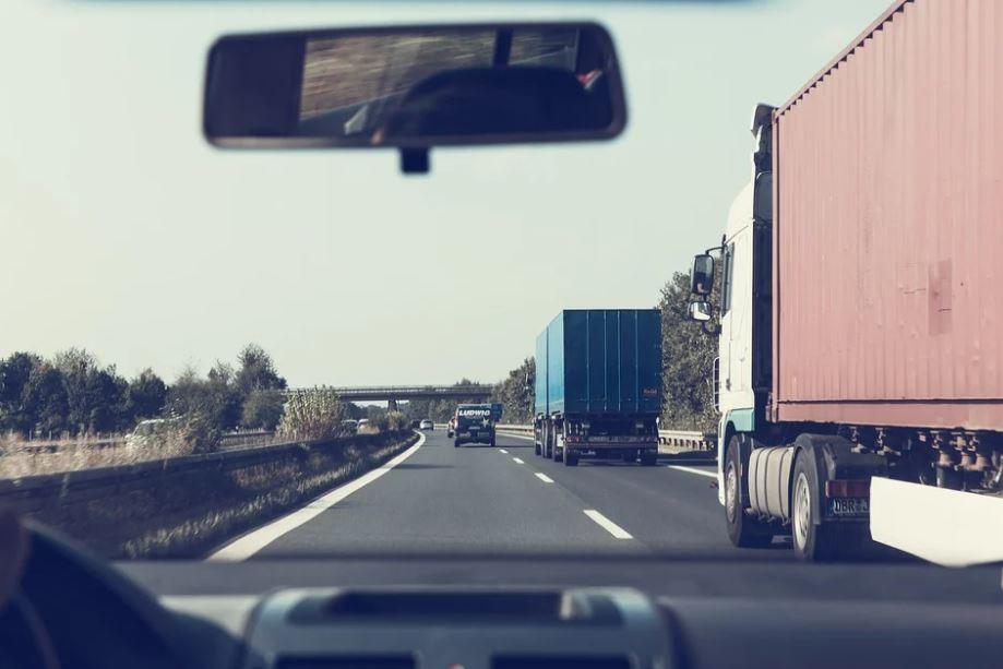 pohled z kabiny řidiče